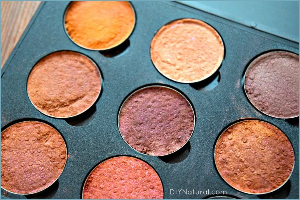How to Make Eyeshadow DIY 2